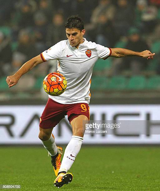Diego Perotti of AS Roma in action during the Serie A match between US Sassuolo Calcio and AS Roma at Mapei Stadium Città del Tricolore on February 2...