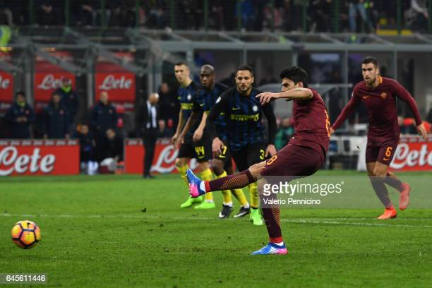 Diego Perotti of AS Roma scored a goal from the penalty spot during the Serie A match between FC Internazionale and AS Roma at Stadio Giuseppe Meazza...