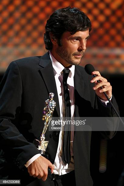 Diego QuemadaDiez receives the Ariel award during the 56th Ariel Awards Ceremony at Palace of Fine Arts on May 27 2014 in Mexico City Mexico