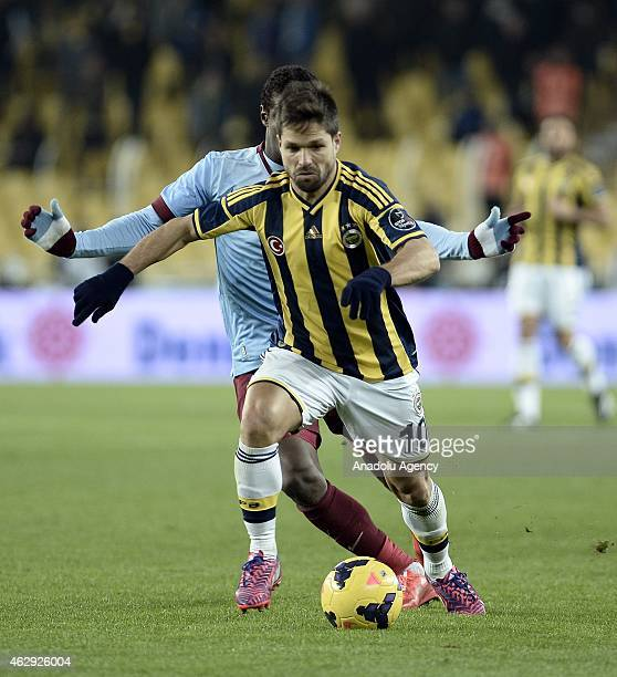 Diego Ribas of Fenerbahce vies for the ball during the Turkish Spor Toto Spor League soccer match between Fenerbahce and Trabzonspor at Sukru...