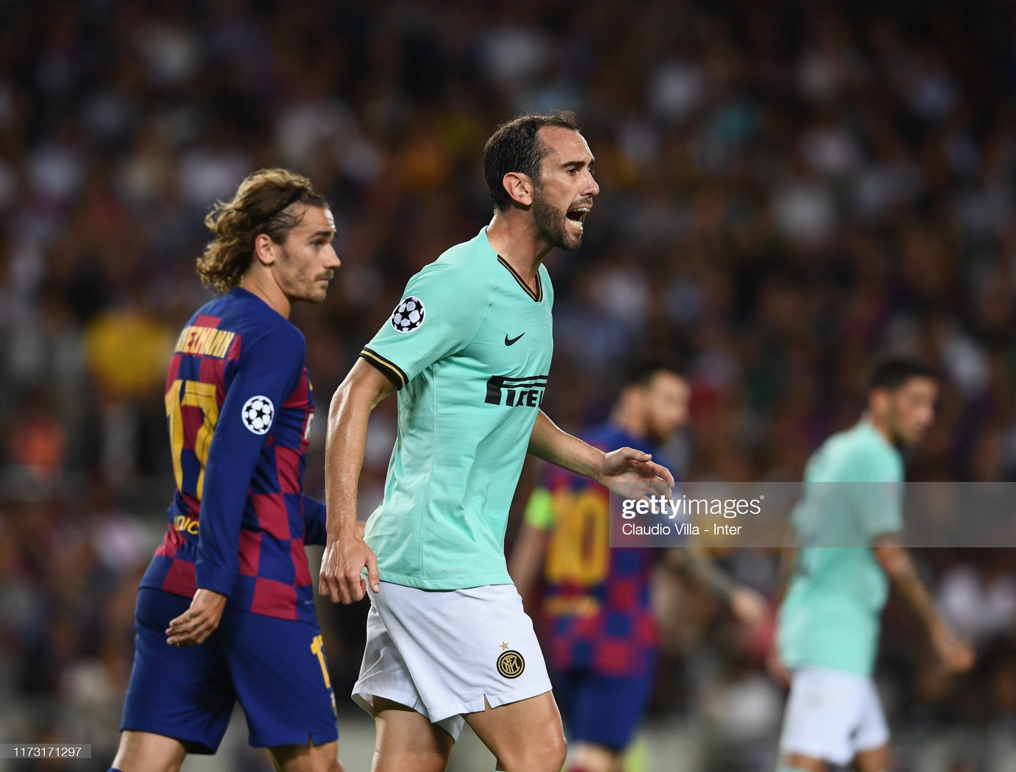 صور مباراة : برشلونة - إنتر 2-1 ( 02-10-2019 )  Diego-roberto-godn-leal-of-fc-internazionale-reacts-during-the-uefa-picture-id1173171297?s=2048x2048