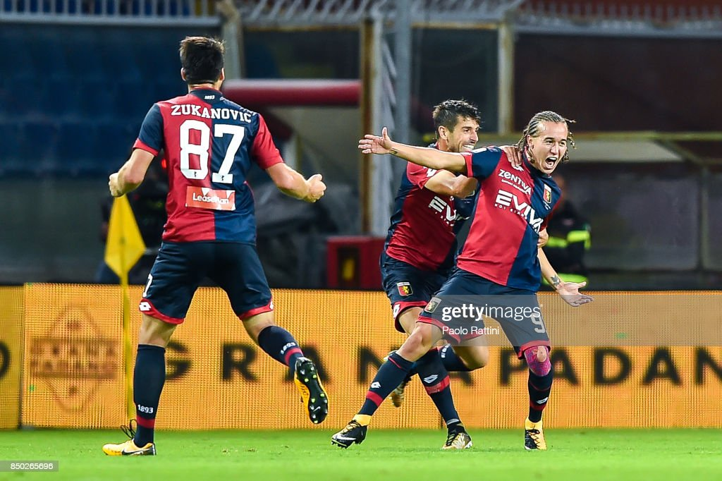 Diego Sebastian Laxalt of Genoa (R) celebrates with Miguel Luis Pinto Veloso after scoring a goal during the Serie A match between Genoa CFC and AC Chievo Verona at Stadio Luigi Ferraris on September 20, 2017 in Genoa, Italy. (Photo by Paolo Rattini/Getty Images) during the Serie A match between Genoa CFC and AC Chievo Verona at Stadio Luigi Ferraris on September 20, 2017 in Genoa, Italy.