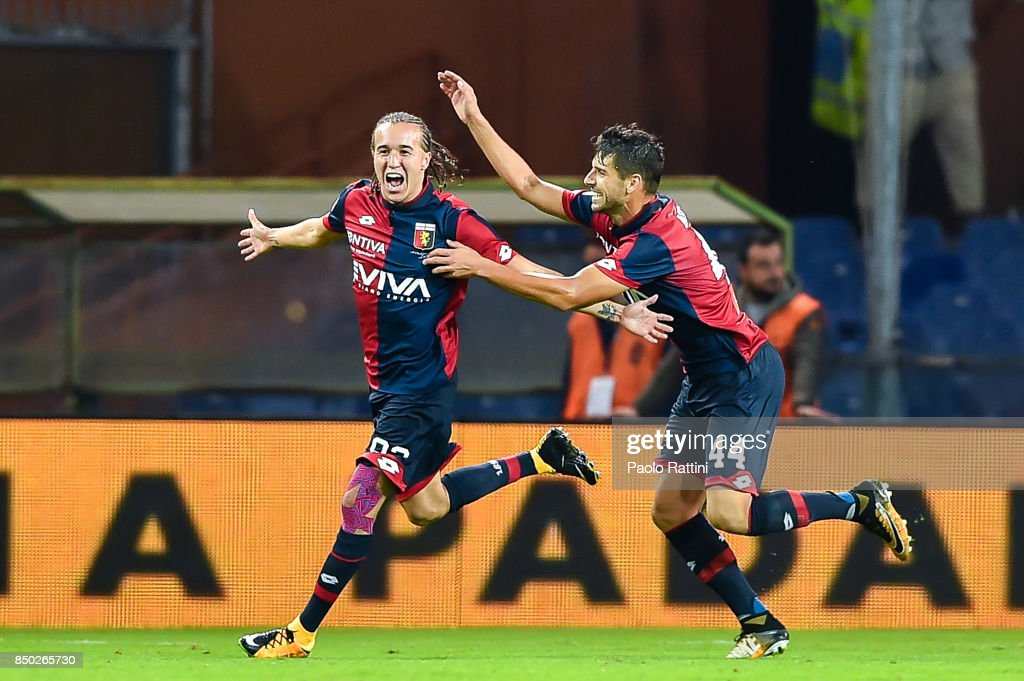 Diego Sebastian Laxalt (L) of Genoa (L) celebrates with Miguel Luis Pinto Veloso after scoring a goal during the Serie A match between Genoa CFC and AC Chievo Verona at Stadio Luigi Ferraris on September 20, 2017 in Genoa, Italy. (Photo by Paolo Rattini/Getty Images) during the Serie A match between Genoa CFC and AC Chievo Verona at Stadio Luigi Ferraris on September 20, 2017 in Genoa, Italy.