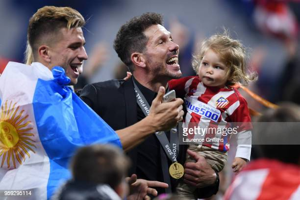 Diego Simeone Coach of Atletico Madrid celebrates victory after the UEFA Europa League Final between Olympique de Marseille and Club Atletico de...
