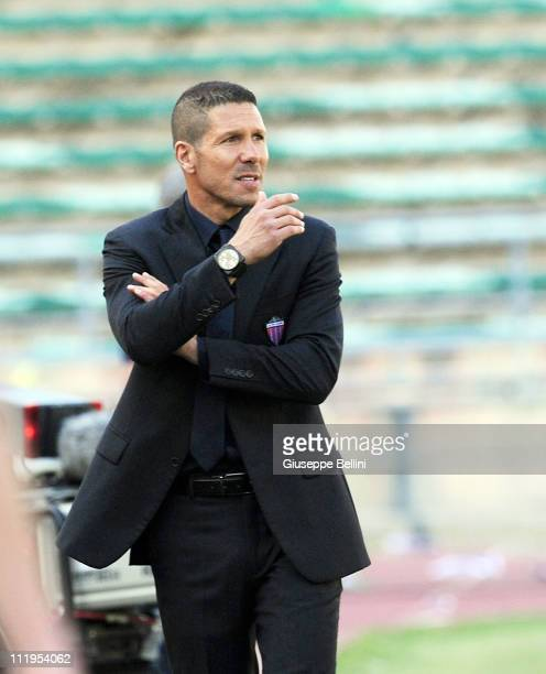 Diego Simeone head coach of Catania during the Serie A match between AS Bari and Catania Calcio at Stadio San Nicola on April 10, 2011 in Bari, Italy.