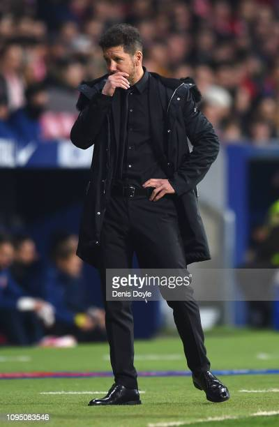 Diego Simeone Manager of Club Atletico de Madrid looks dejected during the Copa del Rey Round of 16 match between Atletico Madrid and Girona at Wanda...