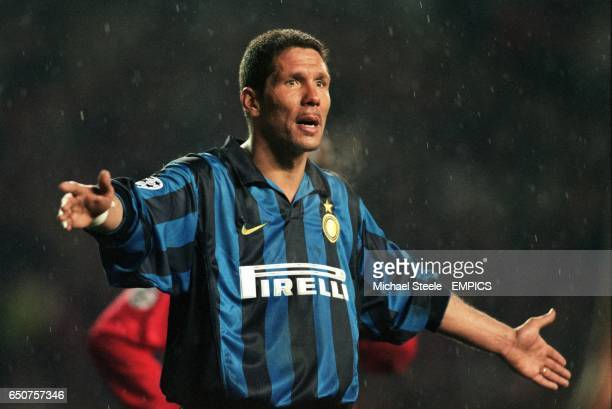 Diego Simeone of Inter Milan appeals to the referee