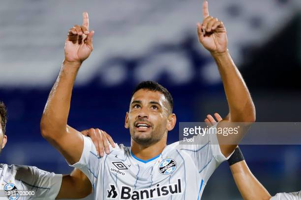 Diego Souza of Gremio celebrates after scoring his team's first goal during a third round first leg match between Independiente del Valle and Gremio...