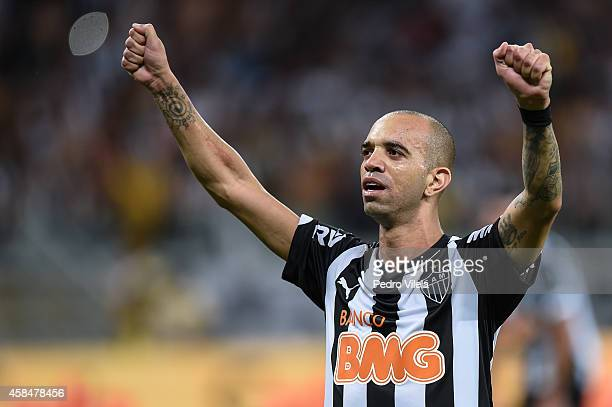 Diego Tardelli of Atletico MG celebrates the winning after the game against Flamengo during a match between Atletico MG and Flamengo as part of Copa...
