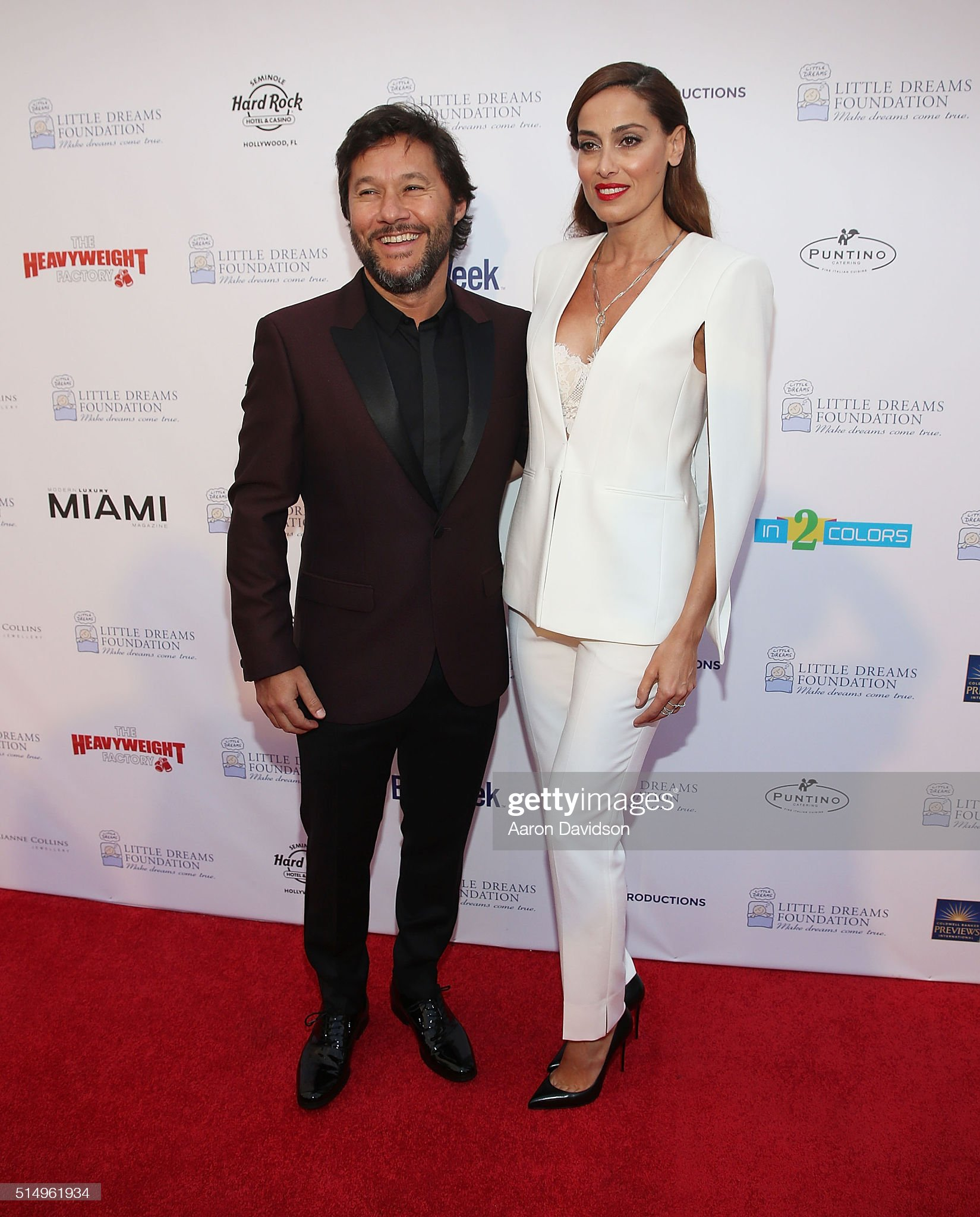 ¿Cuánto mide Diego Torres? - Altura Diego-torres-and-debora-bello-attend-the-little-dreams-foundation-picture-id514961934?s=2048x2048