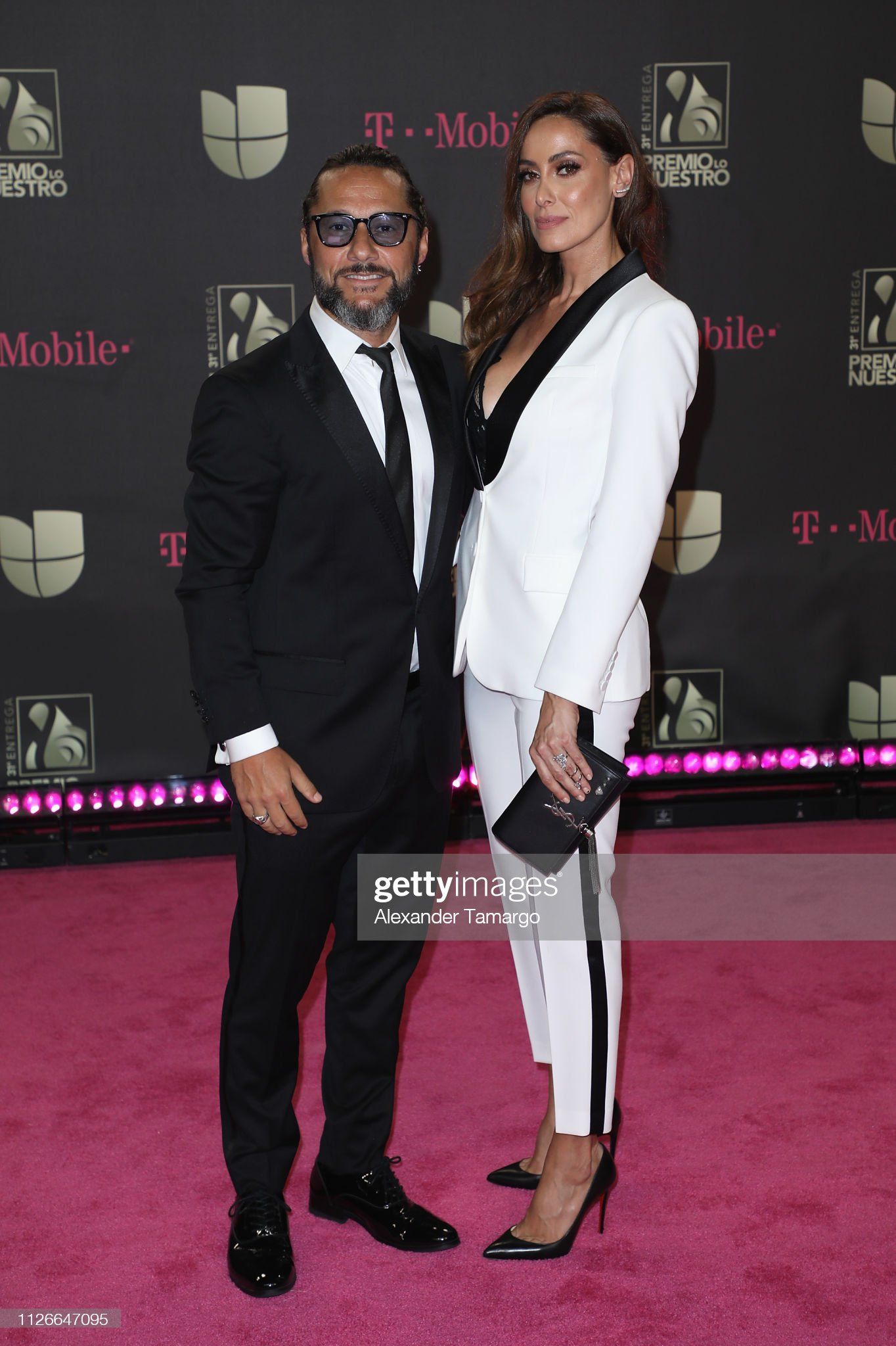 ¿Cuánto mide Diego Torres? - Altura Diego-torres-and-debora-bello-attend-univisions-31st-edition-of-lo-picture-id1126647095?s=2048x2048