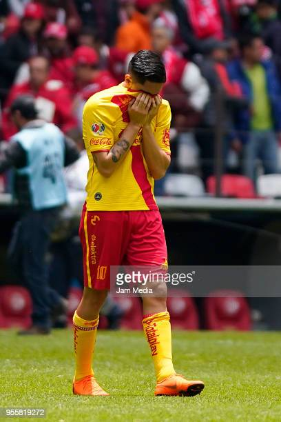 Diego Valdez of Morelia looks dejected during the quarter finals second leg match between Toluca and Morelia as part of the Torneo Clausura 2018 Liga...