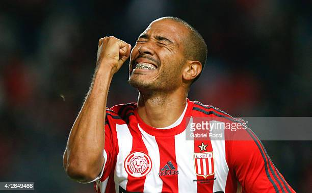 Diego Vera of Estudiantes celebrates after scoring the second goal of his team during a match between Estudiantes and Temperley as part of Torneo...
