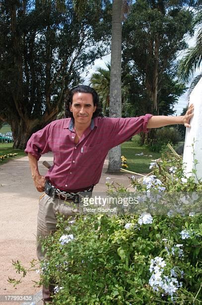 Diego Wallraff ARDFilm Am Kap der Liebe Unter der Sonne Uruguays alter Titel Das Lied der Delfine Cerro Colorado Uruguay SüdamerikaSchauspieler