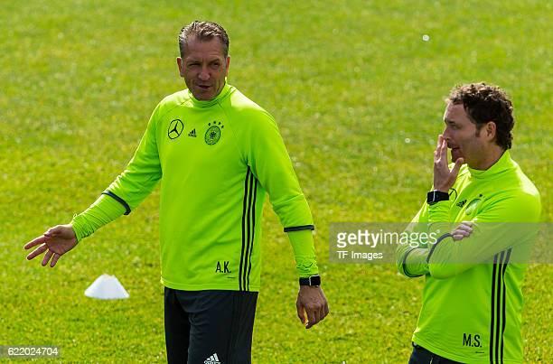 Dienstag Trainingslager der Deutschen Nationalmannschaft in Ascona vl Torwarttrainer Andreas Koepke Assistenztrainer Marcus Sorg