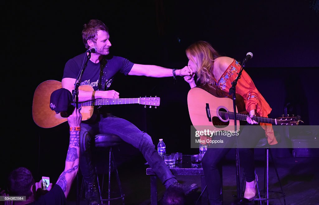 Dierks Bentley And Jessi Alexander Perform Last Call Ball Songs From News Photo Getty Images