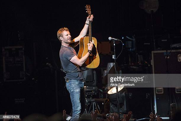 dierks bentley in concert charlotte nc stock photos and pictures |