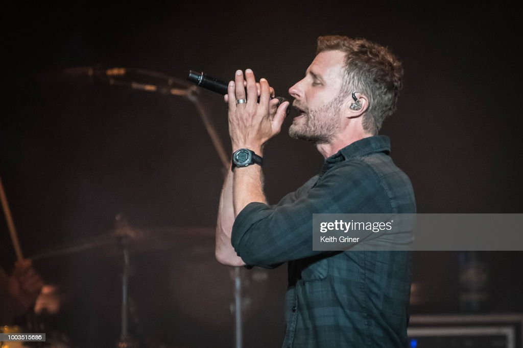 Dierks Bentley - Indianapolis, Indiana