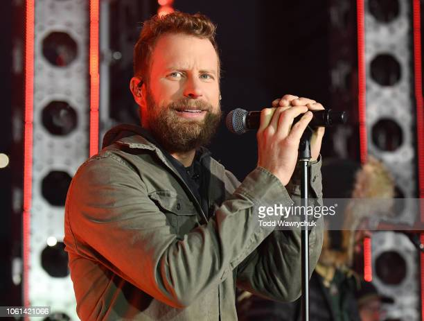 AMERICA Dierks Bentley performs live from Nashville Tennessee on 'Good Morning America' on Wednesday November 14 2018 on ABC DIERKS