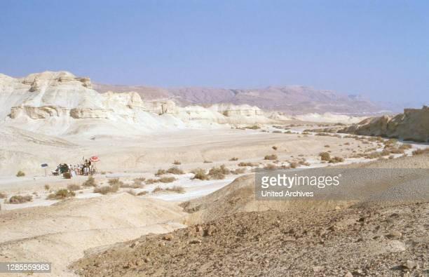 Diese Drombuschs, Fernsehserie, Deutschland 1983 - 1994, Dreharbeiten in Israel 1988, Darsteller und Crew in der Wüste Negev.