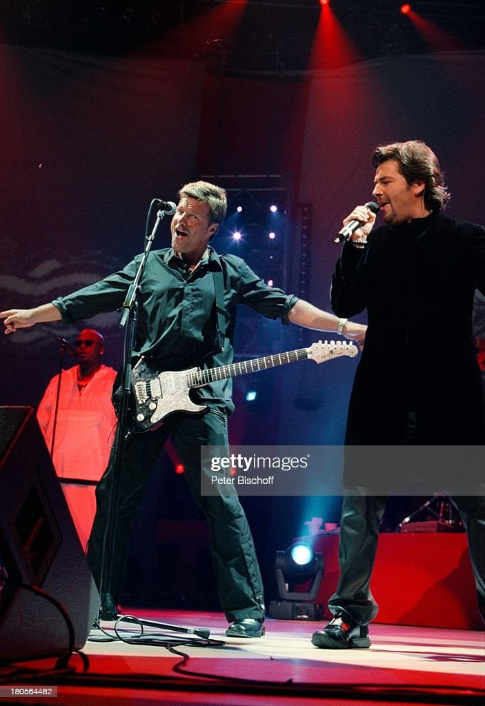 Dieter Bohlen (li.), Thomas Anders, 'Modern;Talking', Premiere W : News Photo
