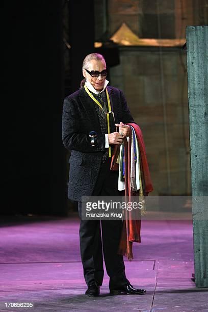 Dieter Laser Bei Der Fotoprobe Zu Siegfrieds Frauen Bei Den NibelungenFestspielen Am Dom In Worms