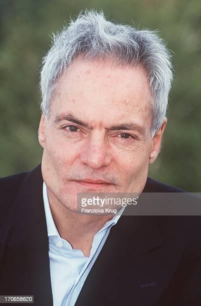 """Dieter Laser Dreht """"Hotel Shanghai"""" 221097 Schauspieler"""