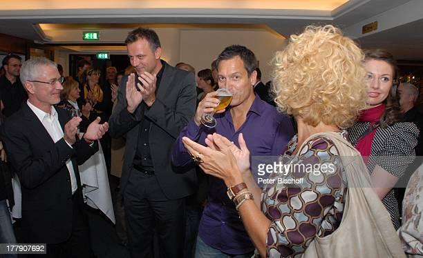 Dieter Nuhr TheaterGala 'Das große Kleinkunstfestival für Kabarett Comedy und Musik' der Wühlmäuse 2010 mit Feier zum 75Geburtstag von D i e t e r H...