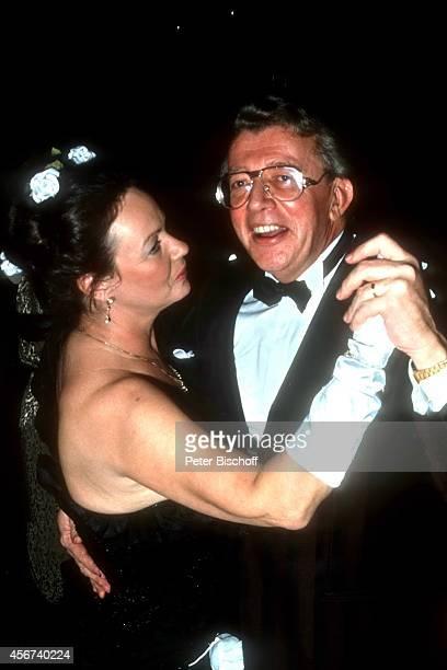 Dieter Thomas Heck, Ehefrau Ragnhild Heck, Frankfurter Opernball am in Frankfurt, Deutschland.