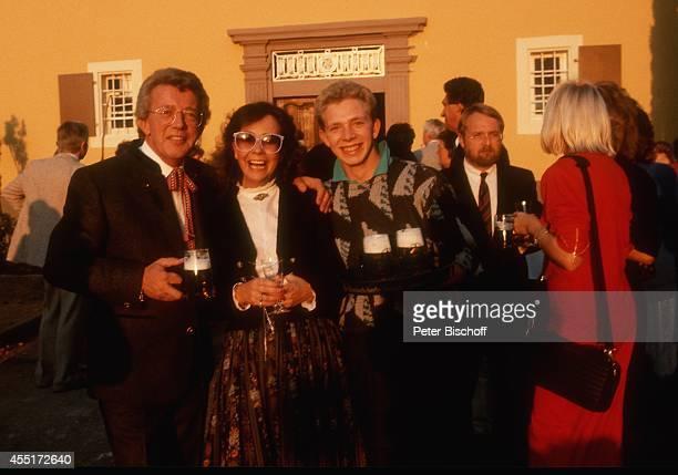 Dieter Thomas Heck Ehefrau Ragnhild Heck Sohn Kim Heck Schlossfest 1986 am im Schloß Aubach bei BadenBaden Deutschland