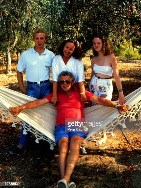 Dieter Thomas Heck mit Ehefrau Ragnhild und den Kindern Saskia Fee Isabell und Thomas Kim Spanien Urlaub Tochter Sohn Kind Kinder Familie HängeMatte...