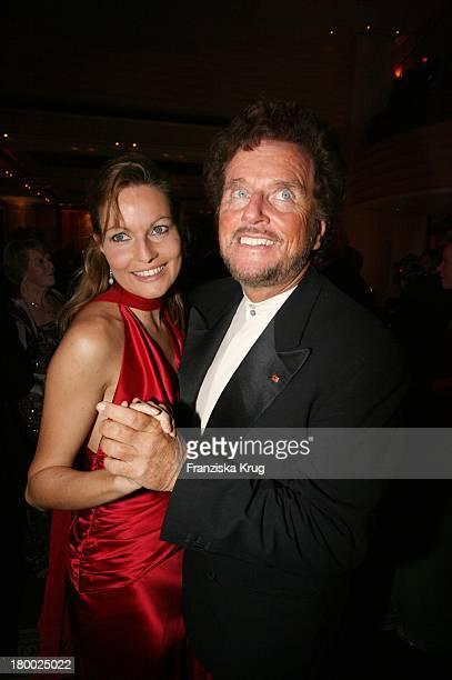 Dieter Wedel Und Freundin Dominique Voland Beim 34. Deutschen Filmball Im Hotel Bayerischer Hof In München Am 200107 .