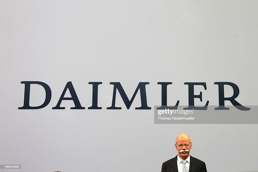 Daimler AG Presents 2011 Financial Results