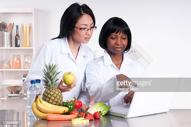 dietitians - nutritionist stock pictures, royalty-free photos & images