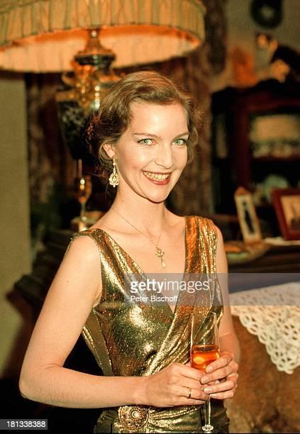 Dietlinde Turban, Portrait, Schauspielerin, geb. 27. August 1957, Sternzeichen: Jungfrau,