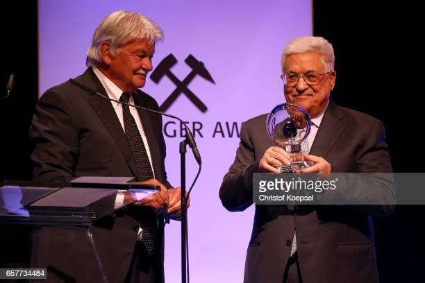 Dietmar Ossenberg hands out the hope of peace award to Mahmoud Abbas president of Palestina during the Steiger Award on at Coal Mine Hansemann Alte...
