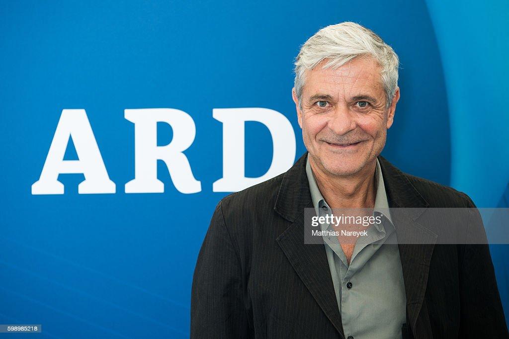 Celebrities Visit ARD Stand At 2016 IFA Tech Fair : Nachrichtenfoto