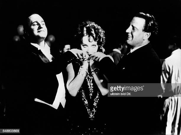 Dietrich Marlene Actress Germany * Scene from the movie '' with Harry Liedtke and Richard Tauber during shootings of the film 'Ich kuesse Ihre Hand...