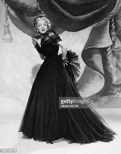 Dietrich, Marlene - Actress, Germany - Scene from the movie 'Stage Fright' Directed by: Alfred Hitchcock USA 1950 Film Production: Warner Brothers...