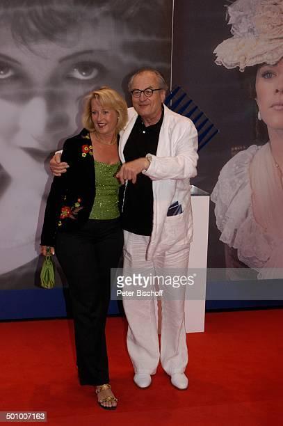 Dietrich Mattausch Ehefrau Annette Geburtstagsgala '90 Jahre UFA' Bertelsmann Repräsentanz Berlin Deutschland Europa Party Gala Jubiläum...