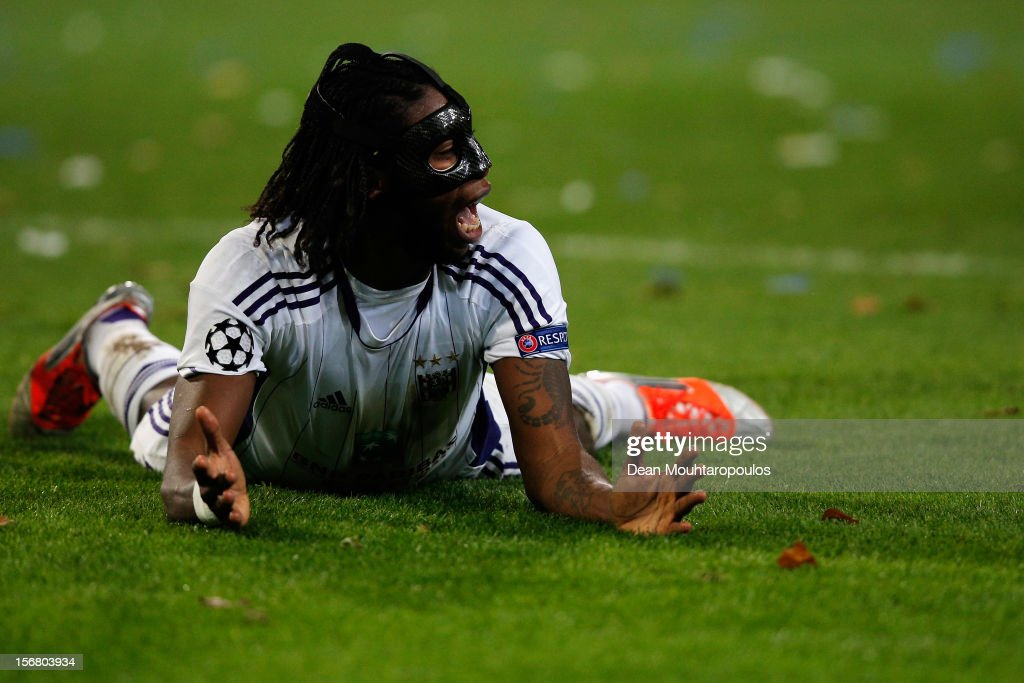 Dieudonne Mbokani of Anderlecht screams in frustration during the UEFA Champions League Group C match between RSC Anderlecht and AC Milan at the Constant Vanden Stock Stadium on November 21, 2012 in Anderlecht, Belgium.