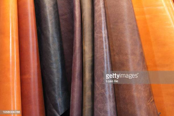 different colors of leather - marron couleur photos et images de collection
