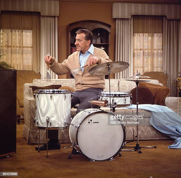 COUPLE 'A Different Drummer' Season Four 2/22/1974 Felix tries to convince Oscar's friend Monty Hall to book his old college band on Hall's nostalgia...