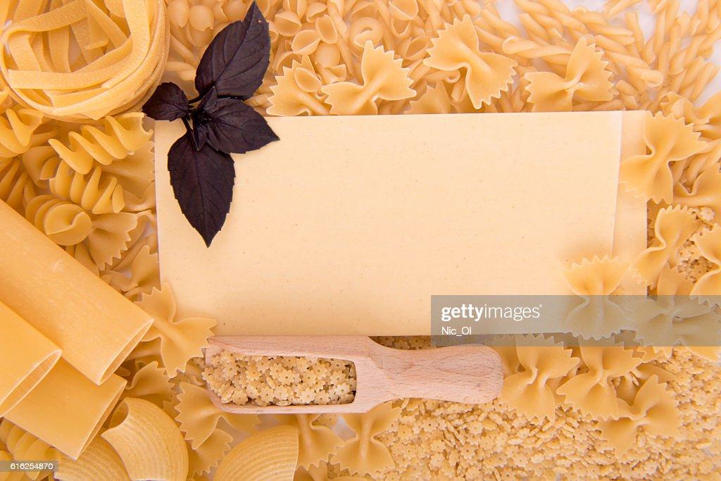 Diferentes tipos de massas alimentícias : Foto de stock