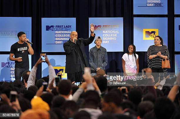 Diggy Simmons Rev Run Russell Simmons II Miley Justine Simmons and Justine Simmons attend the 3rd Annual College Signing Day at the Harlem Armory on...