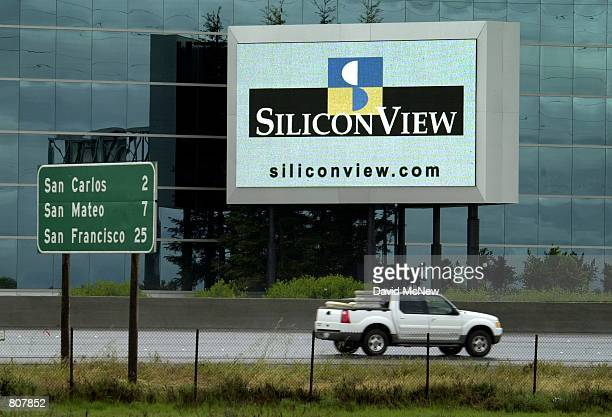 Digital billboard advertises to traffic going north on Highway 101 out of Silicon Valley to San Fransisco, April 19 in Palo Alto, CA. A year ago,...