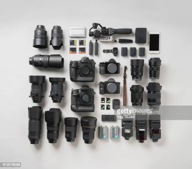 digital camera item knolling style. - photographic equipment stock pictures, royalty-free photos & images