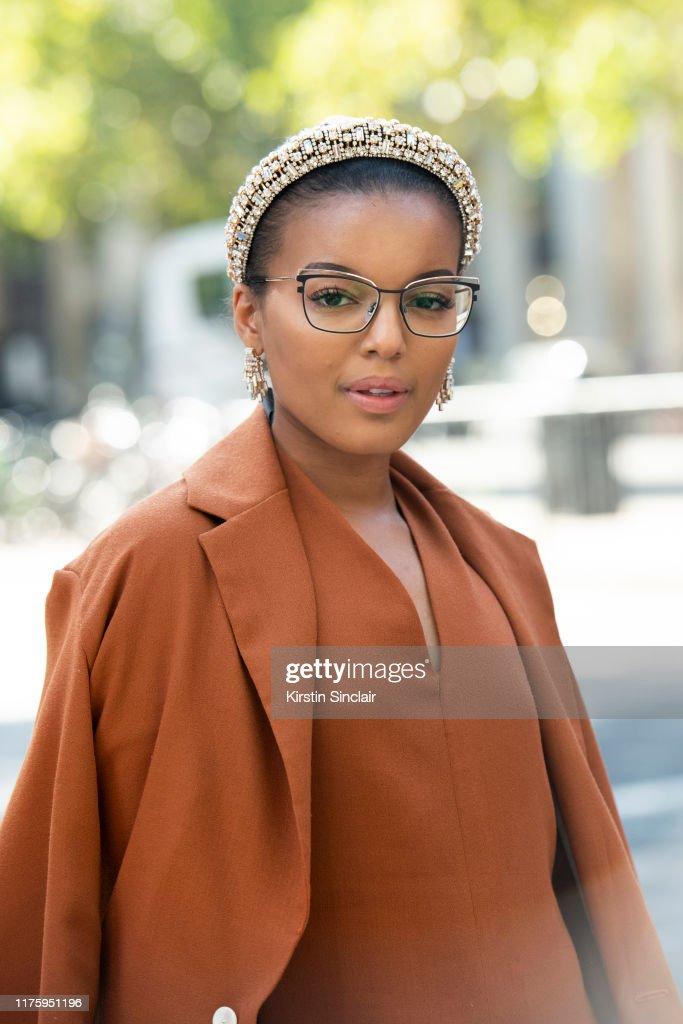 Street Style - LFW September 2019 : Photo d'actualité