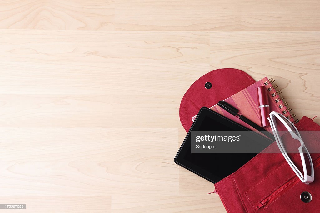 Digital Tablet in borsa zaino da donna : Foto stock