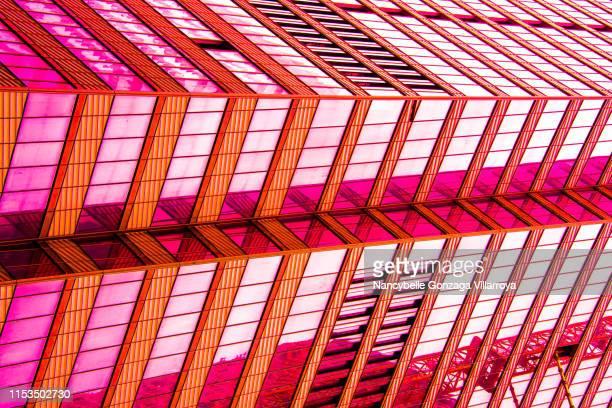 digitally enhance colours of buildings - ショッキングピンク ストックフォトと画像